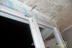 Кладка пеноблоков и установка окон для утепления балкона